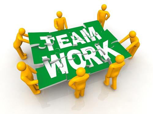 nhân viên kinh doanh có khả năng làm việc nhóm